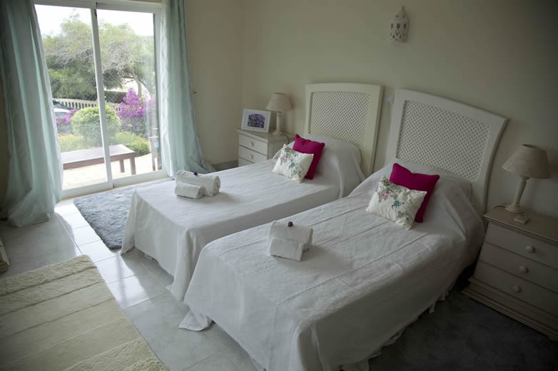 Algarve-Villa-Bedroom-1