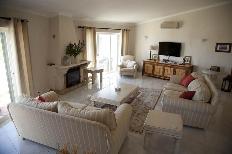 Algarve-Villa-living-room-1