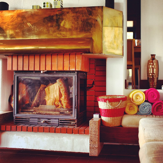 Guincho-Villa-fireplace