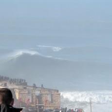 Nazare Farol Big Wave