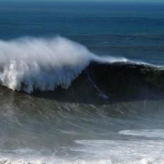 Hellman surfing Nazare big wave